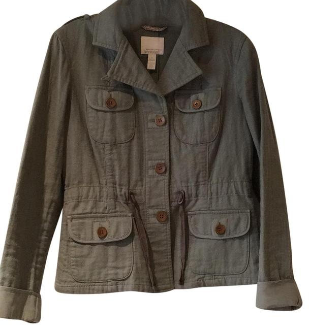 Preload https://img-static.tradesy.com/item/24674393/green-with-brown-buttons-jacket-size-6-s-0-1-650-650.jpg