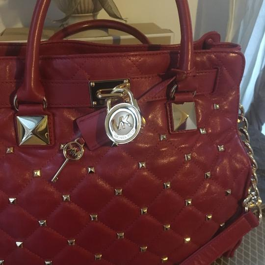 MICHAEL Michael Kors Tote in Red with Gold Hardware Image 11