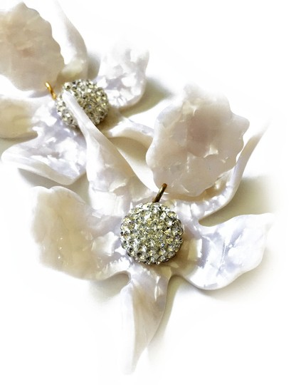 Preload https://img-static.tradesy.com/item/24674482/lele-sadoughi-ivory-mother-of-pearl-orchid-lily-earrings-0-0-540-540.jpg