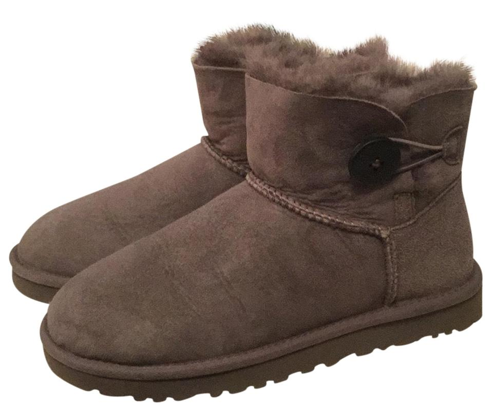 229d0d754 UGG Australia Grey Mini Bailey Button 3352 Boots/Booties Size US 7 ...