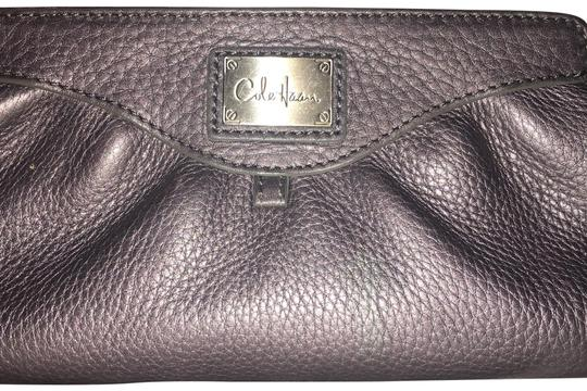 Preload https://img-static.tradesy.com/item/24674844/cole-haan-pewter-leather-cosmeticclutch-cosmetic-bag-0-3-540-540.jpg