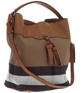 382278a64cce Brown Burberry Bags - Up to 90% off at Tradesy