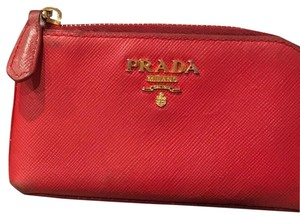 24bbf6c0faa1 Prada Saffiano Wallets - Up to 70% off at Tradesy
