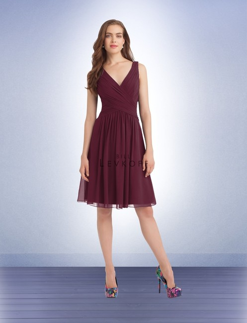 Item - Wine 1106 Traditional Bridesmaid/Mob Dress Size OS