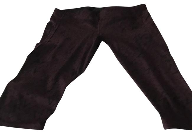 Preload https://img-static.tradesy.com/item/24678805/lululemon-maroon-pattern-with-black-design-pants-excellent-condition-activewear-bottoms-size-12-l-0-1-650-650.jpg