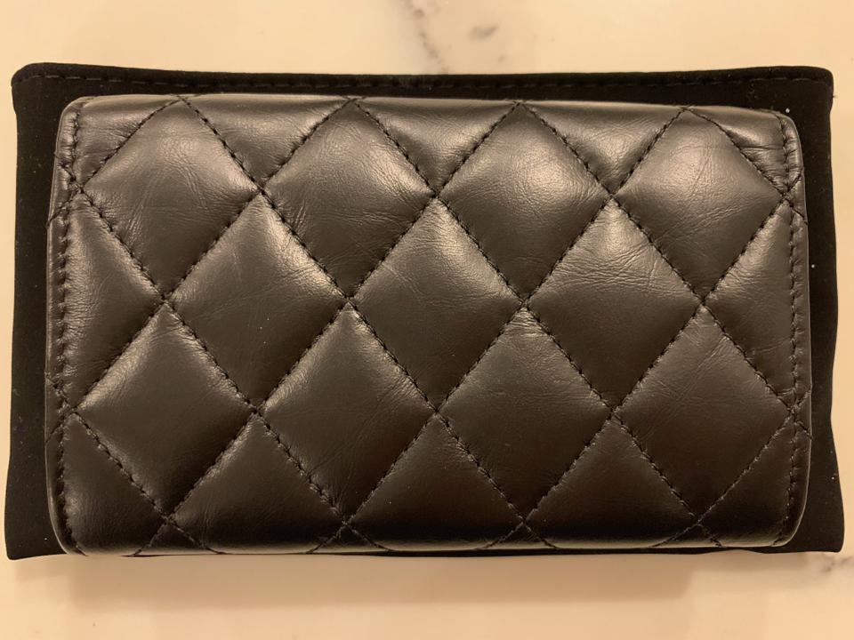 5b7cd51fd906 Chanel Reissue Quilted Flap Credit Card Holder w/Gold Hardware Image 6.  1234567
