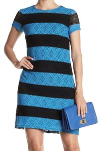London Times short dress Black Blue Lined Body Unlined Sleeves Boatneck Exposed Zip Super Easy on Tradesy