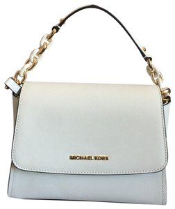 e572d5f31f32 Michael Kors White Bags - Up to 70% off at Tradesy