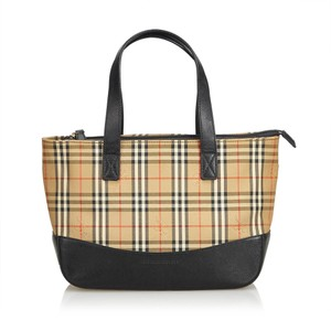 9738f5581051 Burberry Totes - Up to 90% off at Tradesy