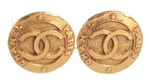 Chanel Chanel Gold CC Round Disk Hammered Large Clip On Earrings