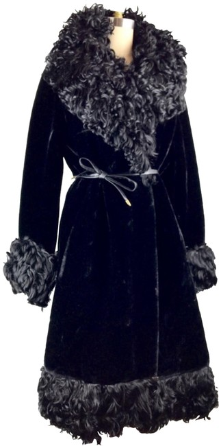 Item - Black 1960's Curly Trim Faux Coat Size 14 (L)