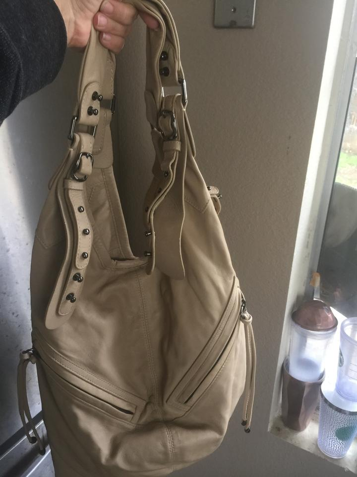 Cc skye lizzie similar to one as carried halle berry beige jpg 720x960  Leather hobo halle 52c50abf9d06e