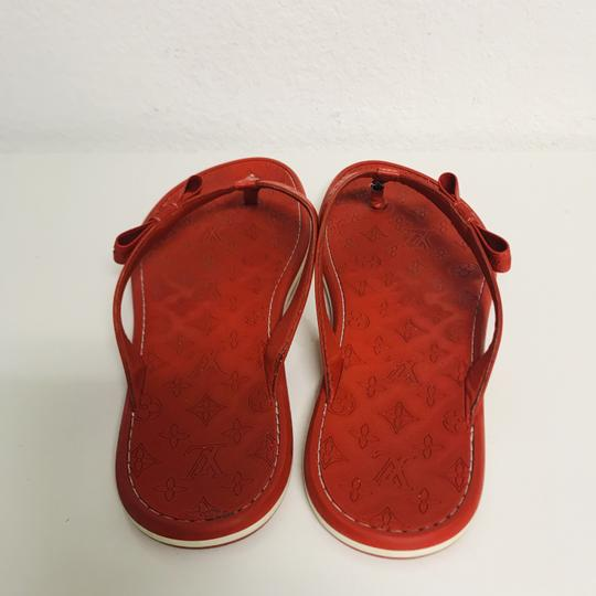 Louis Vuitton Lv Rubber Lasercuts Musthave Sumerwear red Flats Image 2