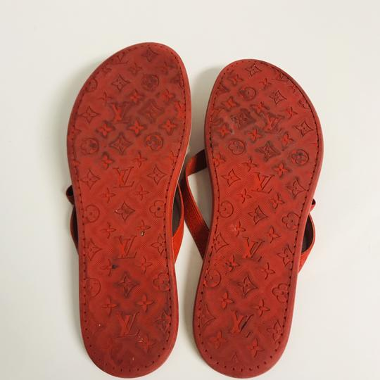 Louis Vuitton Lv Rubber Lasercuts Musthave Sumerwear red Flats Image 4