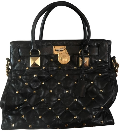 Preload https://img-static.tradesy.com/item/24693310/michael-kors-quilted-large-studded-hamilton-black-and-gold-leather-tote-0-1-540-540.jpg
