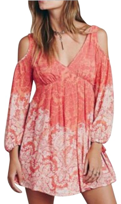 Preload https://img-static.tradesy.com/item/24693382/free-people-pink-clementine-cold-shoulder-short-casual-dress-size-8-m-0-1-650-650.jpg