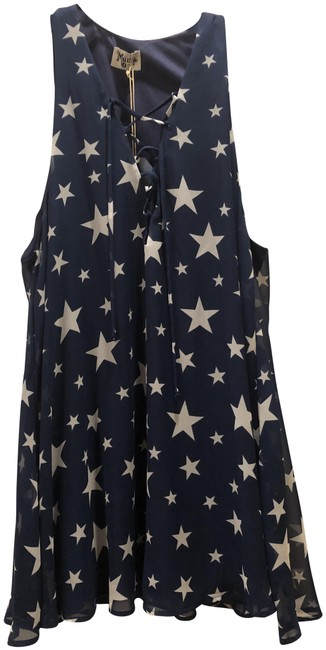 Preload https://img-static.tradesy.com/item/24693748/show-me-your-mumu-blue-and-white-stars-lace-up-tunic-short-casual-dress-size-12-l-0-1-650-650.jpg