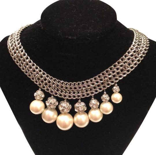Preload https://img-static.tradesy.com/item/24693913/ann-taylor-silver-and-pearl-white-collar-necklace-0-1-540-540.jpg
