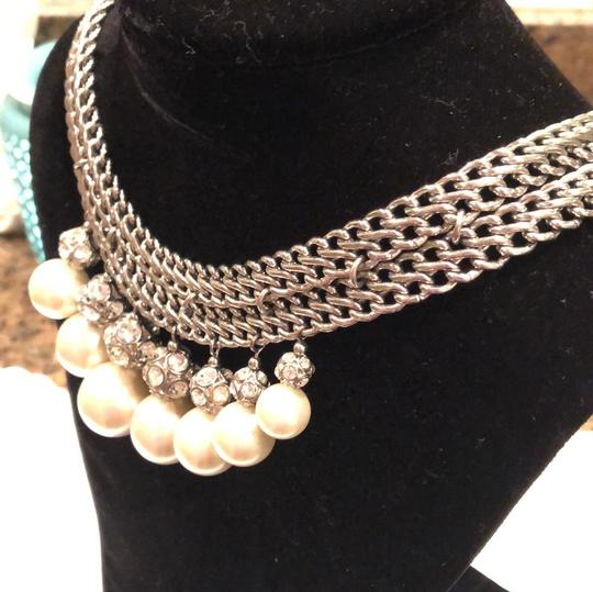 Ann Taylor white pearl collar necklace