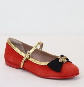 31a08249221 Gucci Red Children s Suede Ballet Flats W Bee and Bow 32 Us .5 ...