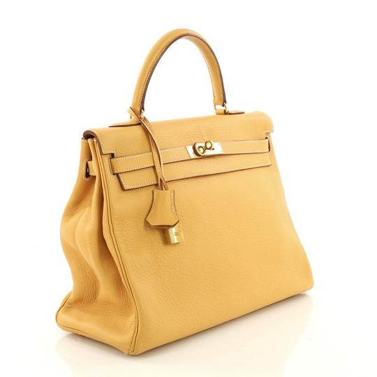 Hermès Kelly Leather Tote in Natural Sable yellow Image 2