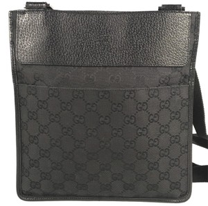 16f683638382 Black Leather Gucci Messenger Bags - Over 70% off at Tradesy