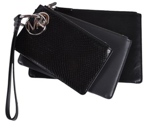 Michael Kors Leather Pouch 32f8sf9u7n Wristlet in Charcoal