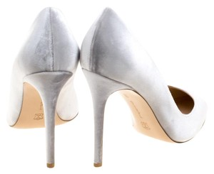 Gianvito Rossi Velvet Pointed Toe Leather Grey Pumps