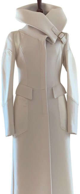 Item - Winter White Fitted Silk and Angora Coat Size 4 (S)