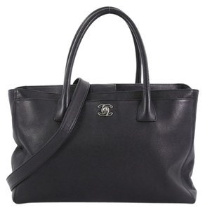 Chanel Cgabek Cerf Leather Tote in black