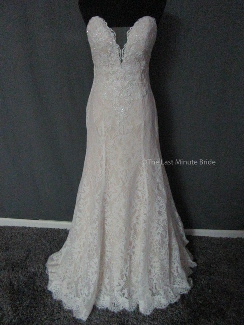 Item - Nude/Ivory Lace 4029 Feminine Wedding Dress Size 10 (M)