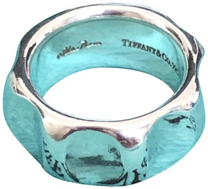Tiffany & Co. Tiffany & Co. Paloma's Groove Ring
