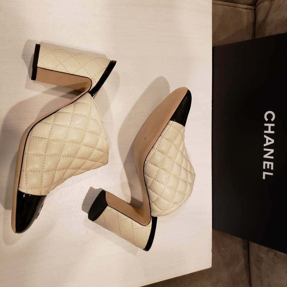 89e4d76901ec Chanel Patent Leather Quilted Heels Two Tone Cream Black Mules Image 11.  123456789101112