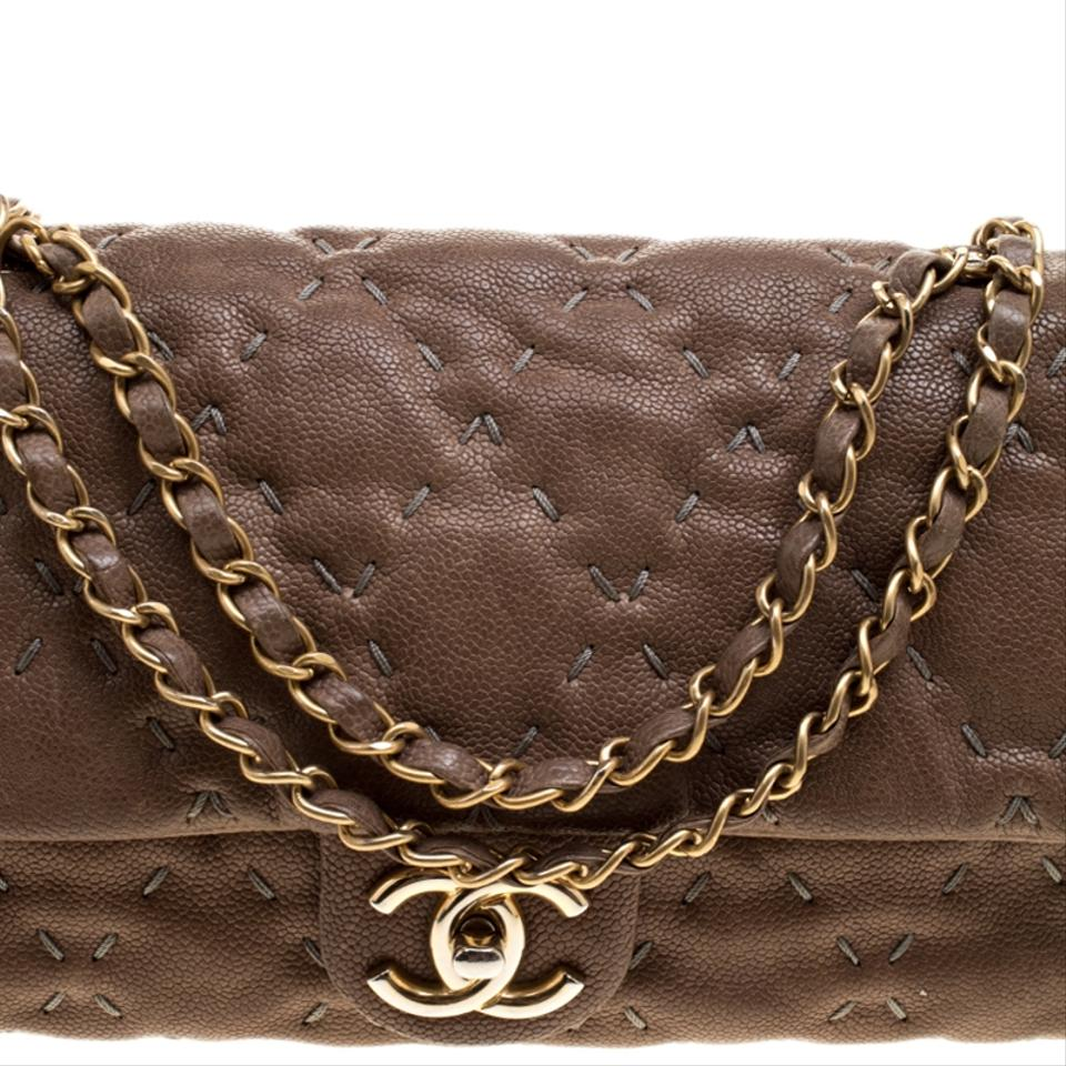 0c920904f45d Chanel Leather Classic Quilted Shoulder Bag Image 11. 123456789101112
