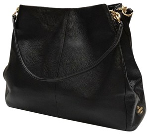 Coach Shoulder Bags - Up to 90% off at Tradesy 22eb1ed3ec3d4