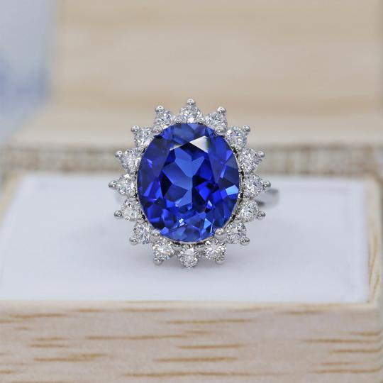 14 K White Gold Amazing Blue Sapphire Fashion Ring Image 1