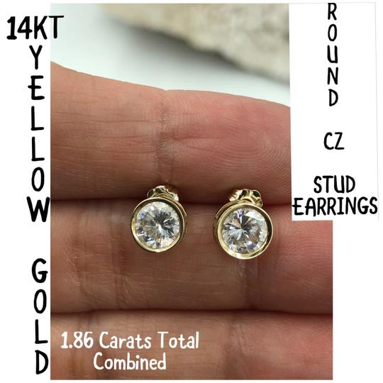 14KT Gold 14KT Yellow Gold Round CZ Stud Earrings Image 1
