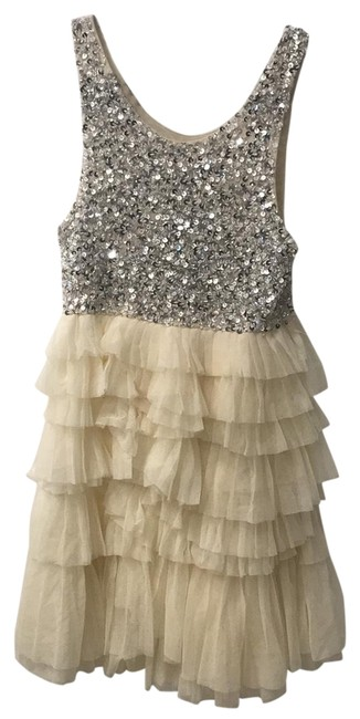 Preload https://img-static.tradesy.com/item/24706928/alice-olivia-silver-sequins-and-cream-and-short-night-out-dress-size-4-s-0-1-650-650.jpg