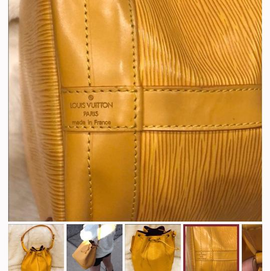 Louis Vuitton Tote in yellow Image 3