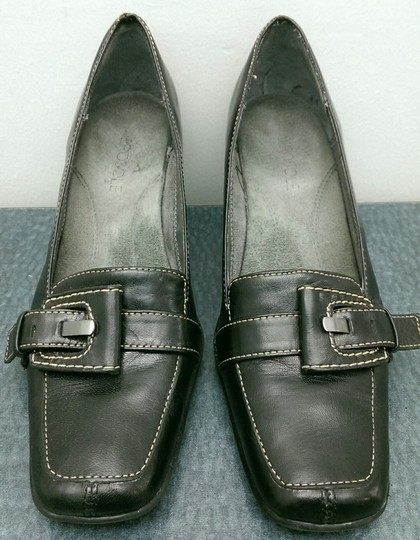 Aerosoles Leather Buckle BLACK Pumps Image 4