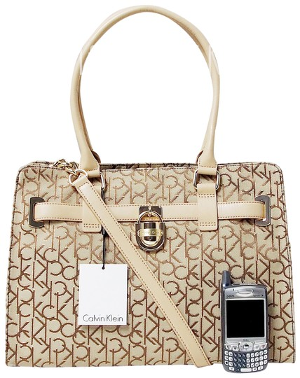 Preload https://img-static.tradesy.com/item/24707246/calvin-klein-hudson-logo-15-laptop-satchel-shoulder-khakibrowngold-jacquard-fabric-tote-0-2-540-540.jpg