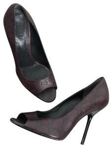Gucci Women s Shoes on Sale - Up to 70% off at Tradesy f4dfe054654