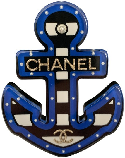Preload https://img-static.tradesy.com/item/24708517/chanel-blue-black-white-large-letter-cc-logo-coco-anchor-pin-brooch-0-1-540-540.jpg