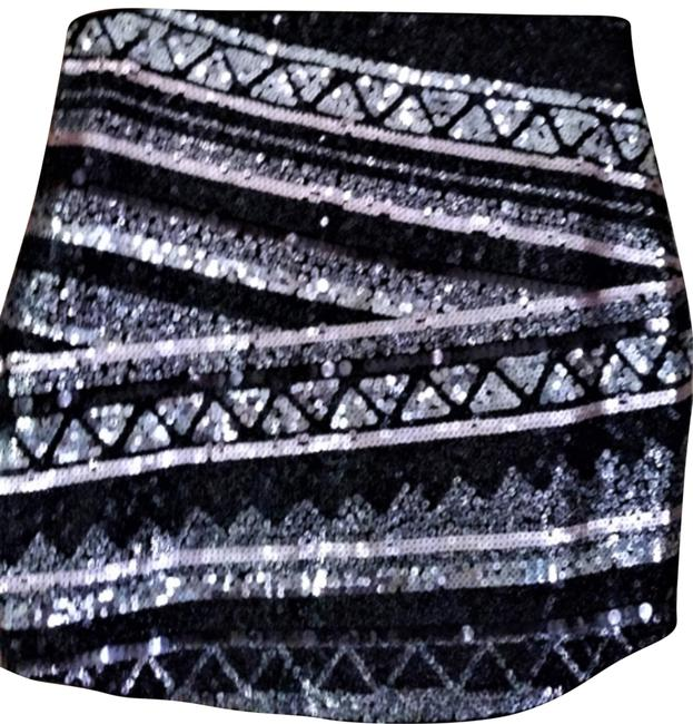 Item - Silver Black New with Tags and Sequins Skirt Size 8 (M, 29, 30)