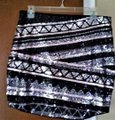 Express Silver Black New with Tags and Sequins Skirt Size 8 (M, 29, 30) Express Silver Black New with Tags and Sequins Skirt Size 8 (M, 29, 30) Image 2