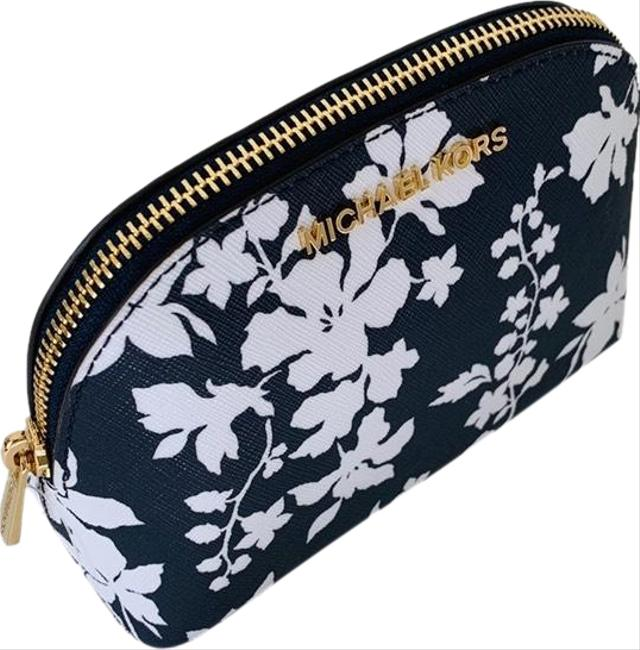 Item - Navy/White Pouch New Jet Set Lg Travel Cosmetic Bag