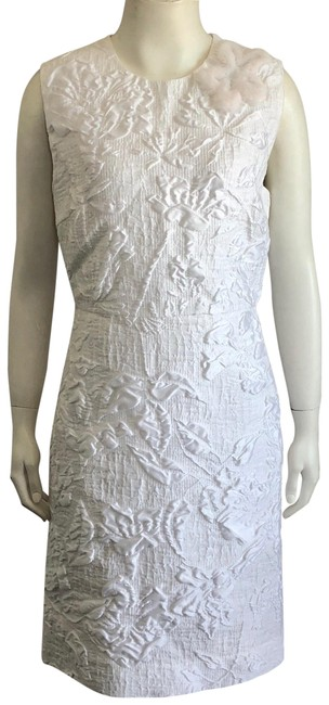 Item - White Floral Jacquard Sleeveless Sheath with Fur Flower Si Mid-length Cocktail Dress Size 8 (M)
