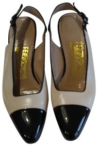 d6b566cf3685 Women s Salvatore Ferragamo Shoes - Up to 90% off at Tradesy (Page 2)