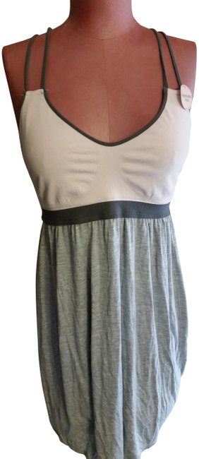 Item - Pink and Grey Beach Wear Or Sleep Wear New with Tags Cover-up/Sarong Size 12 (L)