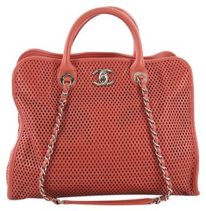 Chanel Leather Tote in red